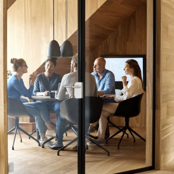 4 Things to Consider Before Becoming a Venture Capitalist