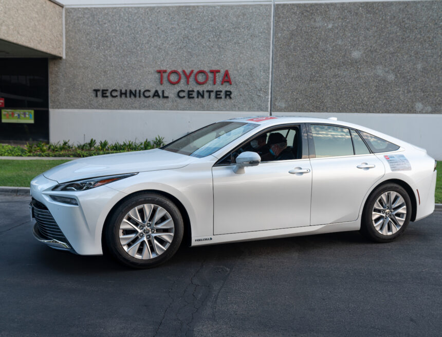 Toyota Mirai sets official World Record
